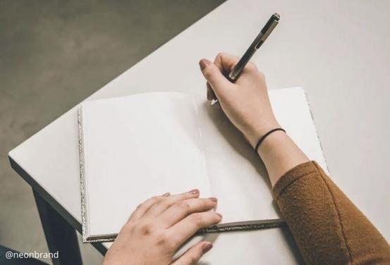 ¿Cómo escribir un cuento corto? 5 claves para hacerlo